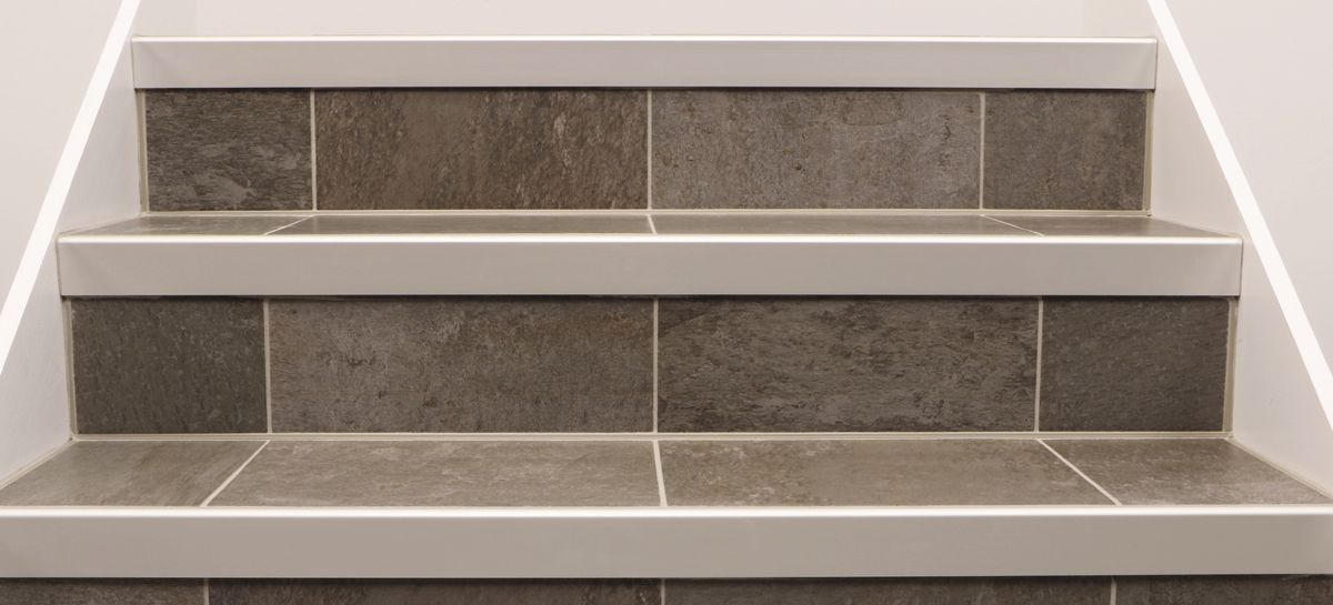Stairs Schlutercom - Bullnose stair step tile