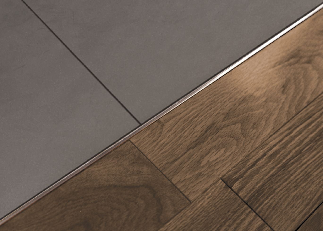Schluter schiene same height transitions for floors for Joint entre carrelage et parquet