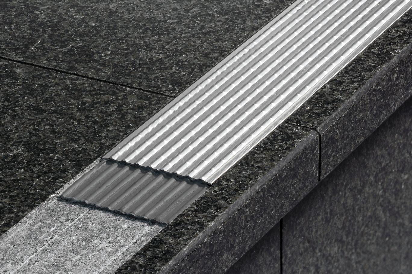 Schluter 174 Trep G Gk Slip Resistant Treads For Stairs